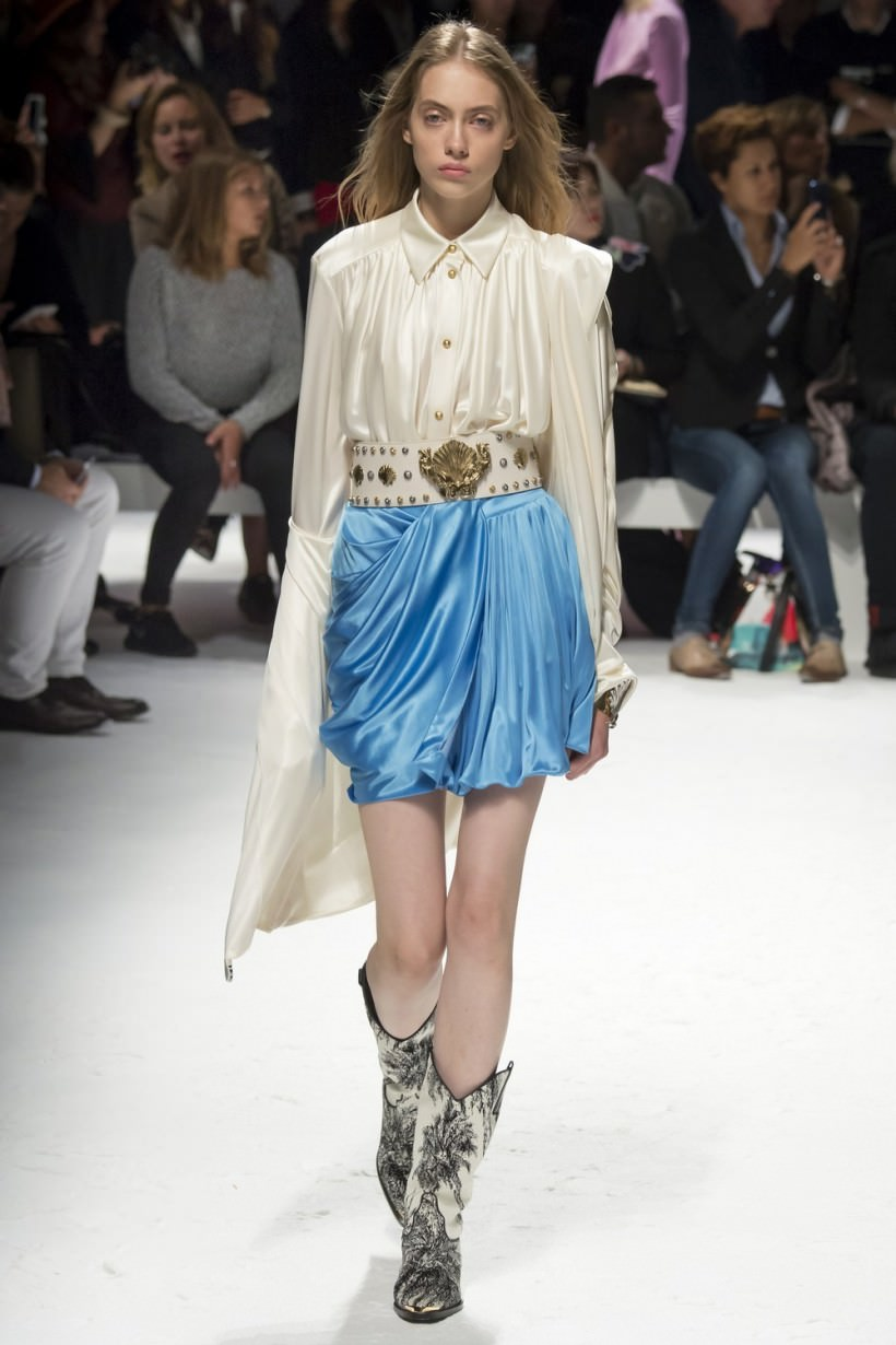 картинки одежды для девушек модной для срисовки