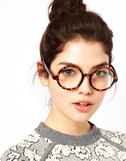 Как правильно подобрать очки по форме лица?
