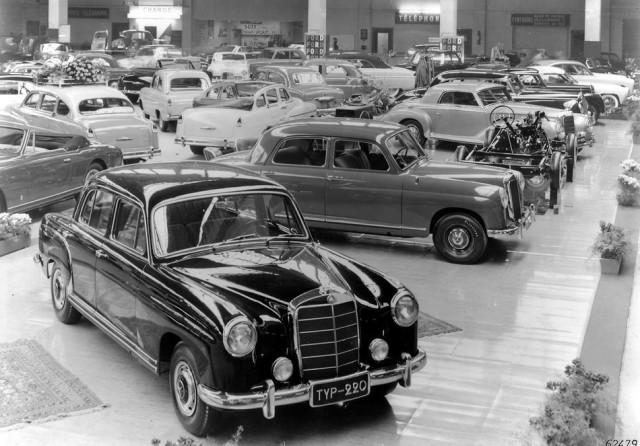 Mercedes-Benz 220 Ponton