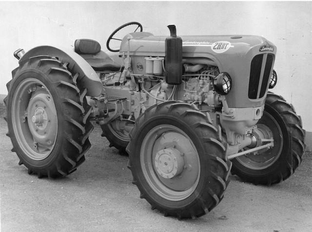 первый трактор ламборгини