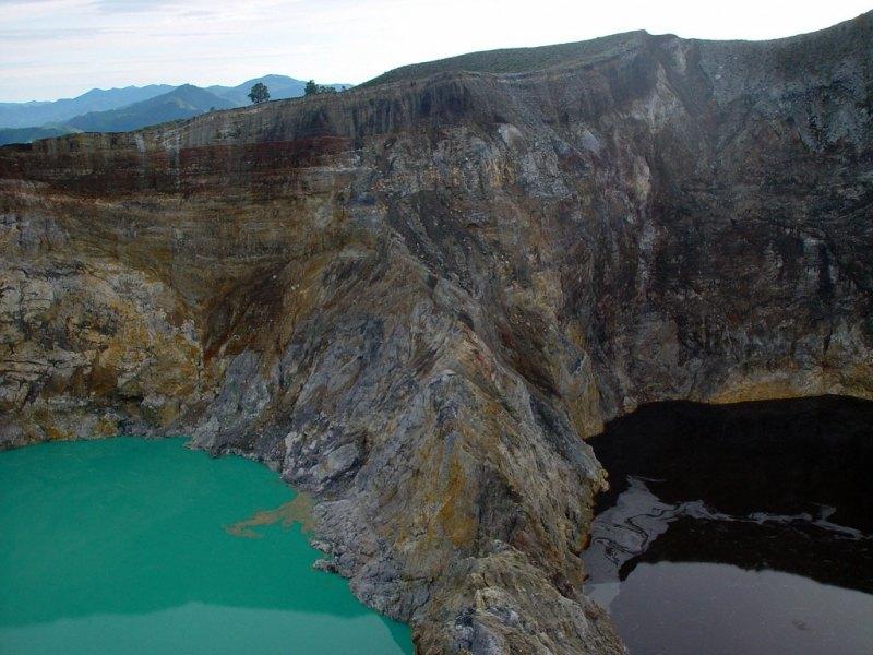 Озера меняющие цвет.Мистика на вершине вулкана.