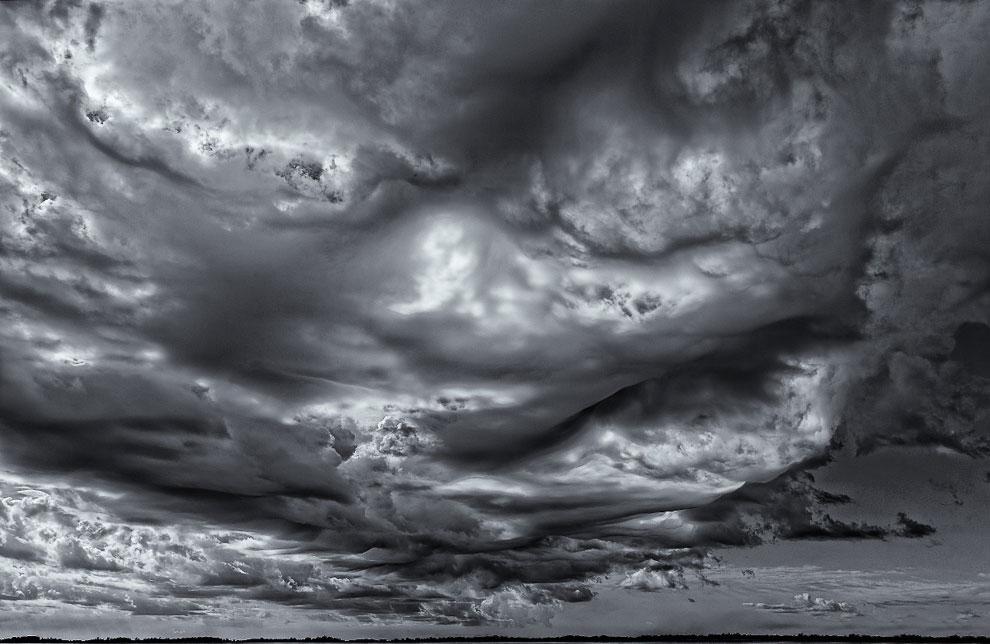 затянуло небо облаками