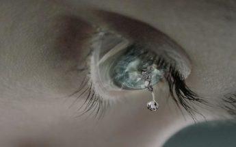 Откуда берутся слезы, почему мы плачем