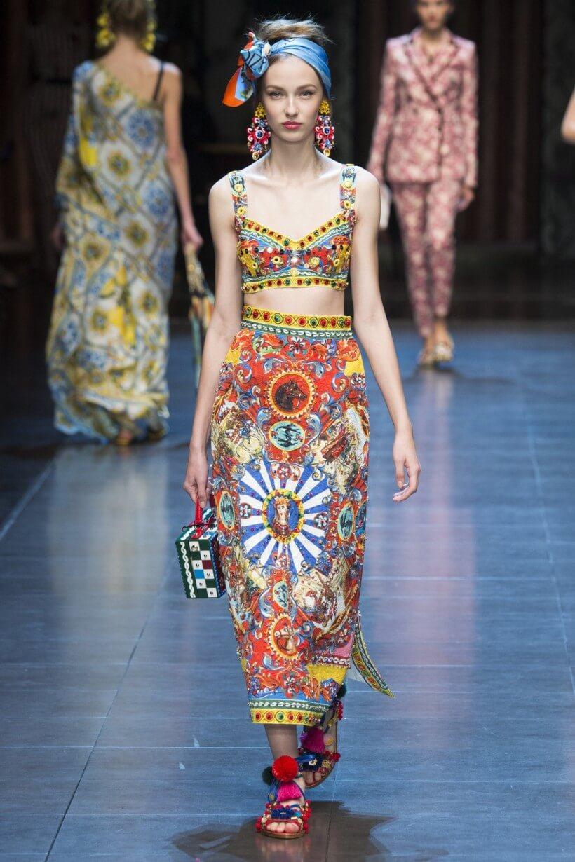 картинки одежды для девушек модной
